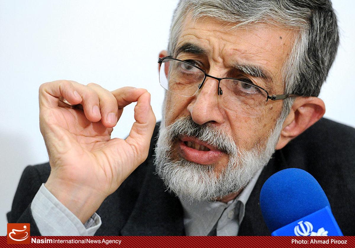 در برجام دلواپستر از همه دلواپسان خود آقای روحانی است/ در برجام سر ملت ایران کلاه رفته است