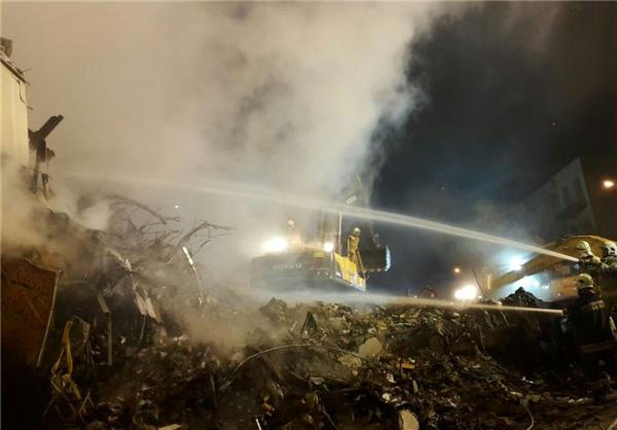 """آخرین مکالمه یک آتشنشان از پلاسکو؛ """"سقف بیشتر بیاد پایین، گیر میکنم"""""""