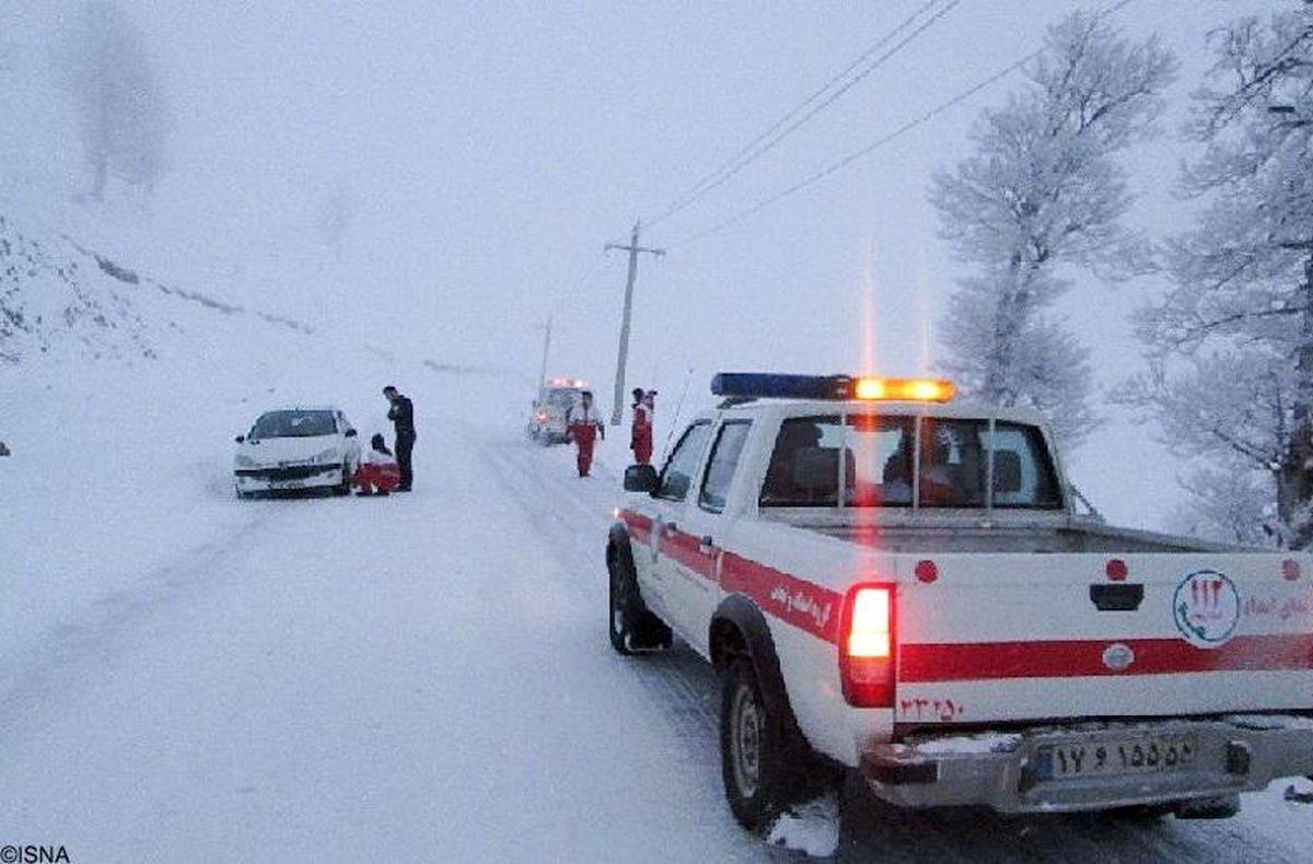 امدادرسانی به ۳۲ هزار و ۴۰۰ نفر از برف و کولاک/ اسکان اضطراری ۷۵۰۰ نفر