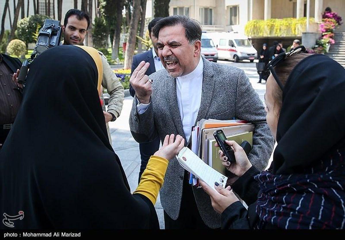 برخورد نامناسب وزیر راه روحانی با یک خبرنگار + تصاویر