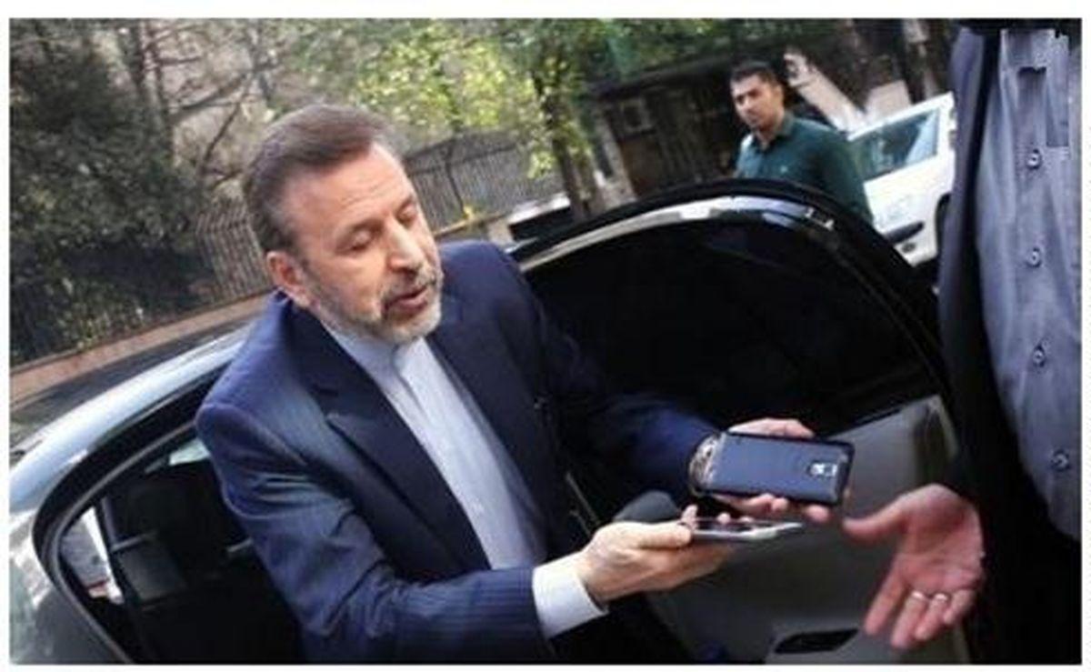 وزیر ارتباطات با تاخیر انداختن در اجرای طرح رجیستری موبایل، قاچاقچیان را خوشحال کرد!