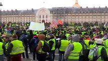 تقدیر وزیر کشور فرانسه از رفتار خشونت آمیز پلیس این کشور!