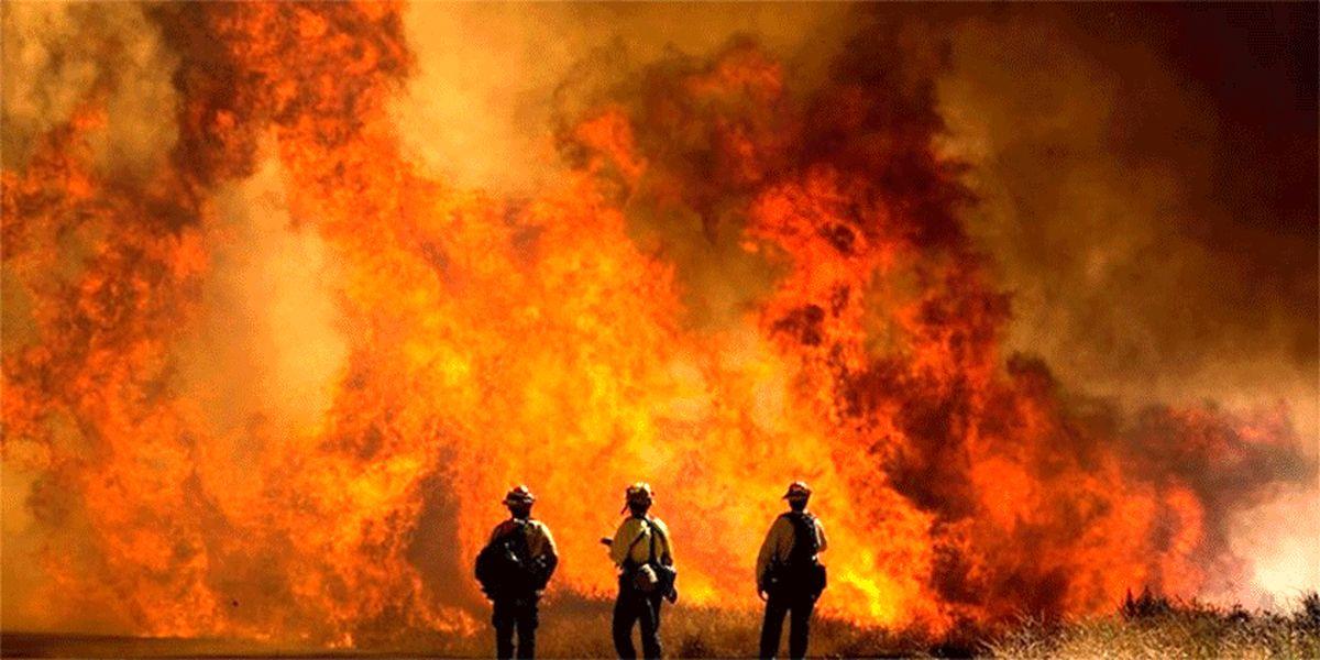 ادامه آتش سوزی گسترده در جنوب کالیفرنیا