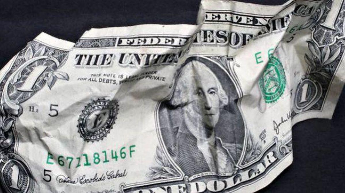 پایگاه خبری ایتارتاس از سرازیر شدن میلیاردها دلار ارز از روسیه به آمریکا و سوئیس خبر داد