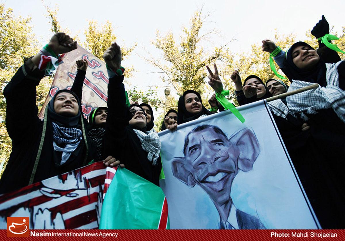 """شرکتکنندگان در مراسم ۱۳ آبان: """"مرگ بر آمریکا"""" را ترجمان """"هیهات منا الذله"""" ابی عبدالله میدانیم"""