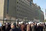 جمعی از صاحبان مسکن مهر پردیس مقابل مجلس تجمع کردند