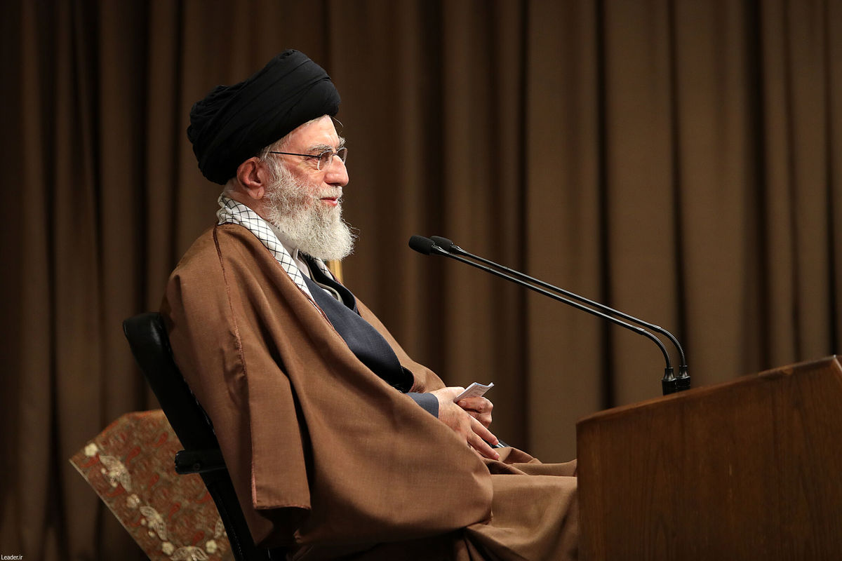 رهبر انقلاب: هدف بعثت ایجاد یک نظام سیاسی بود